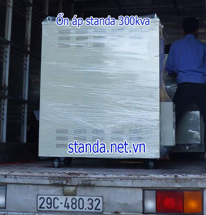 on-ap-standa-300kva-dai-160v-430v-van-chuyen-tan-noi