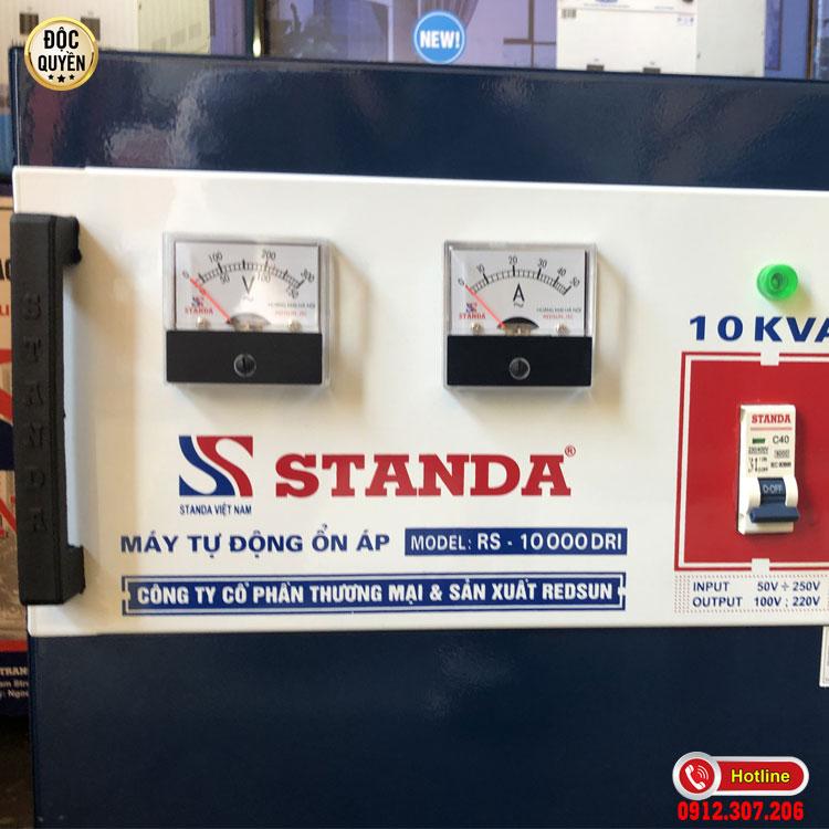 Ảnh đồng hồ mặt trước của ổn áp Standa 10KVA dải 50V - 250V chính hãng